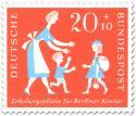 Stamp: Berliner Kind mit Reisegepäck (zur Erholung)