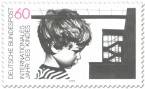 Stamp: Junge und Gebäude (Jahr des Kindes)
